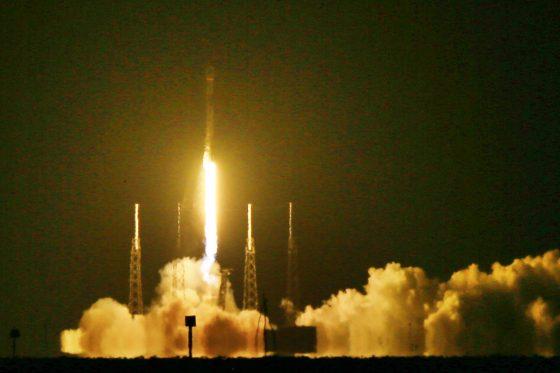 SpaceX 獵鷹九號火箭發射實況