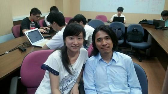 本文作者@歡仔258(左)和葉丙成教授(右)的合影