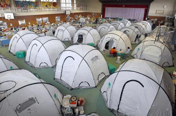 災後為避免呼吸道傳染病傳播,可以善用帳篷。(圖片來源:januswon)