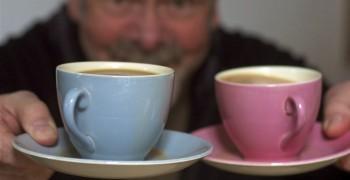 拿杯咖啡走路,為什麼咖啡會濺出來?-2012年搞笑諾貝爾流體力學獎