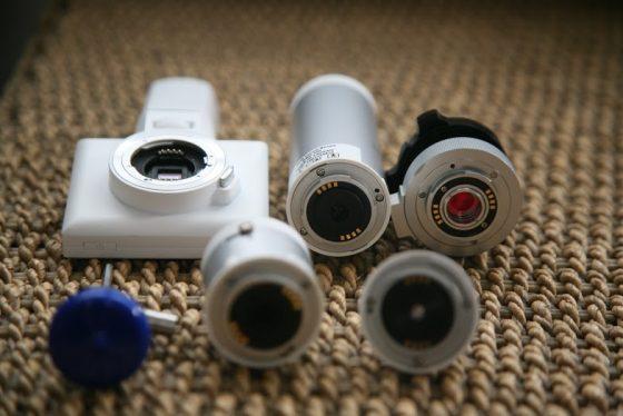 眼底攝影機可透過替換鏡頭改成檢測皮膚或是耳道,五官鏡十分多功能。
