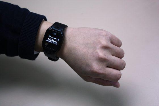 工研院研發的手錶,內嵌NPNS可感測心跳。