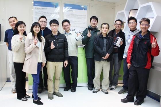 開發手持式3D掃描器的電光所團隊。