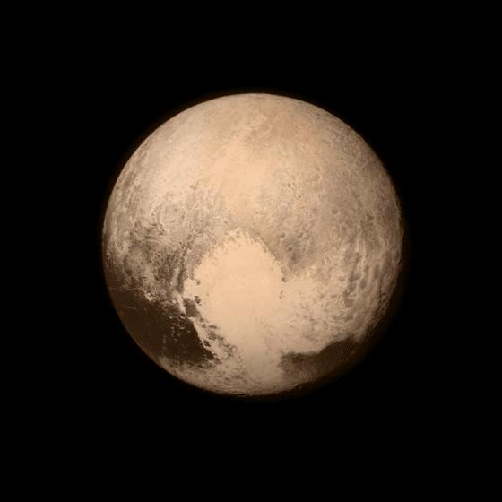 剛剛接近最近點時拍攝的冥王星,是歷來最清楚的一張照片。