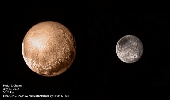 這是新視野號於7/11拍攝的冥王星(左)和冥衛一(右)的合照,也是1930年發現冥王星以來最清楚的一張照片。 Image Credit: NASA/JHUAPL/New Horizons/Edited by Kevin M. Gill