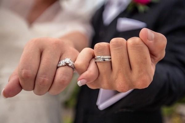 為什麼婚戒要戴在無名指?什麼是腕隧道症候群?——《我的十堂大體解剖課》