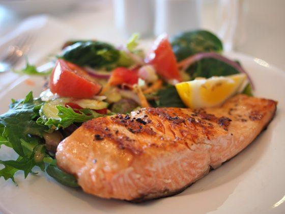 自然界中含有維生素 D 的食物種類不多