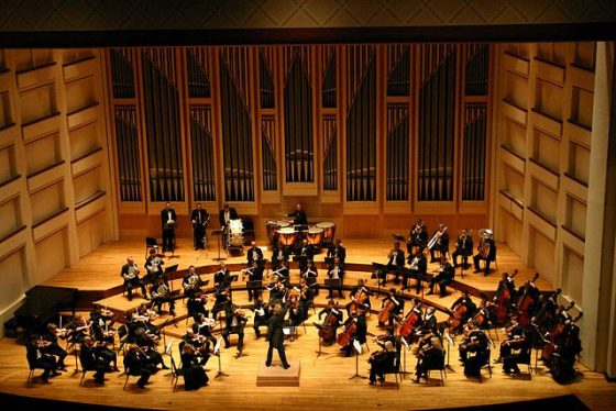 640px-Dublin_Philharmonic_Orchestra_performing_Tchaikovsky's_Symphony_No_4_in_Charlotte,_North_Carolina