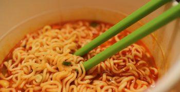 泡麵和罐頭其實是防腐劑絕緣體!你誤會很久的食物保存二三事