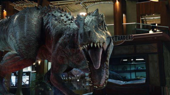 2015《侏儸紀世界》中的帝王暴龍。過了20多年這系列電影中的恐龍還是沒有羽毛啊!圖/IMDb