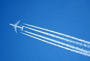 白白長長的療癒飛機雲,竟然會加劇全球暖化?